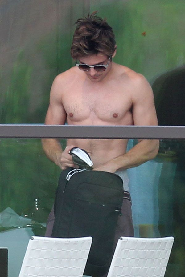 Zac Efron Nude on Balcony - Easter 2012