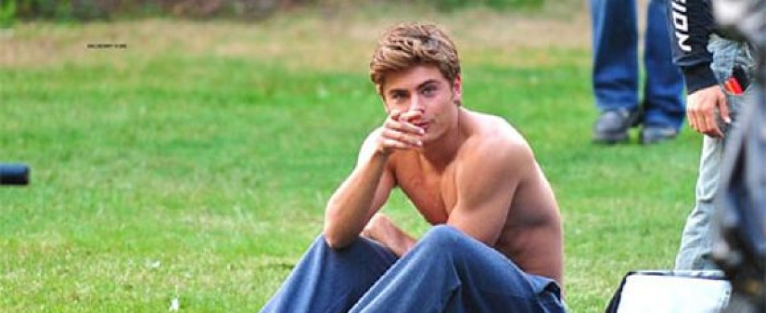 Zac Efron Is Totally Nude For Easter